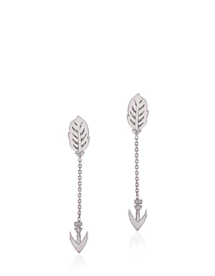 حلق السهم الماسي، من الذهب الأبيض عيار 18 قيراط والألماس